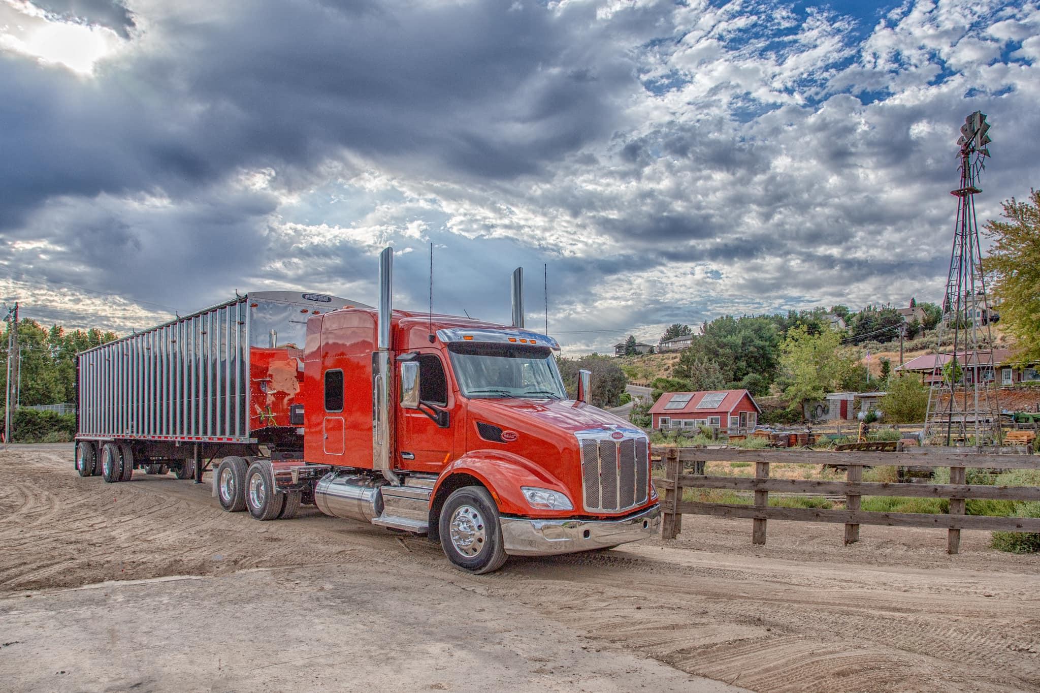 semi truck with trailor